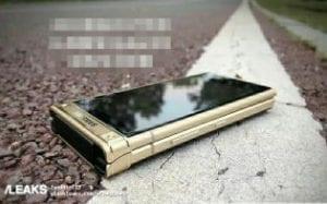 gsmarena 001 300x187 - Leak See the latest Samsung smart flip-phone W2018